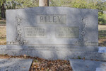 A Closer View of John Gilmore Riley's Grave