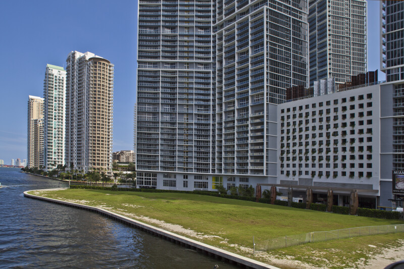 A Closer View of the Site of the Miami Circle in Context