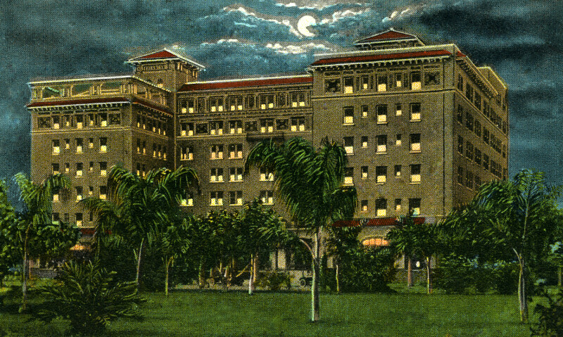 A Night View of the Soreno Hotel