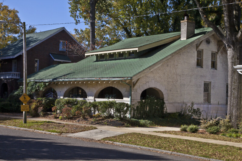 An Oblique View of the Simmons Home in Corinth, Mississippi