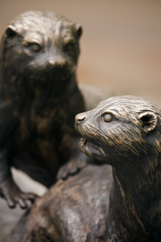 Asian Small-Clawed Otter Statues