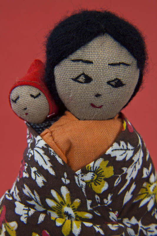 Bolivia Mother and Baby Dolls with Yarn Hair and Features Wearing Cotton Clothing (Close Up)