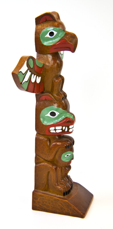 Canadian Totem Pole Made with Composite Wood (Three Quarter View)
