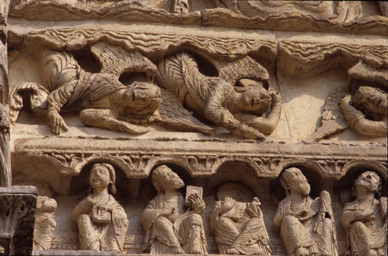 Chartres Cathedral, Ascension portal, angels and apostles
