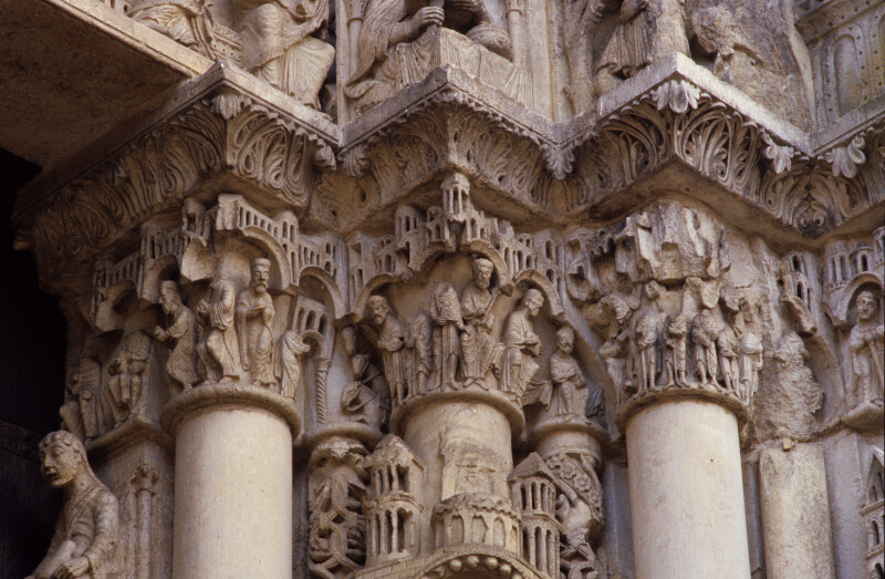 Chartres Cathedral, Ascension portal, capital frieze, Adoration of the Magi, the Magi before Herod, Annunciation to the Shepherds
