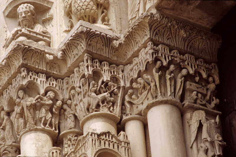 Chartres Cathedral, Incarnation portal, capital frieze, left side, inner faces