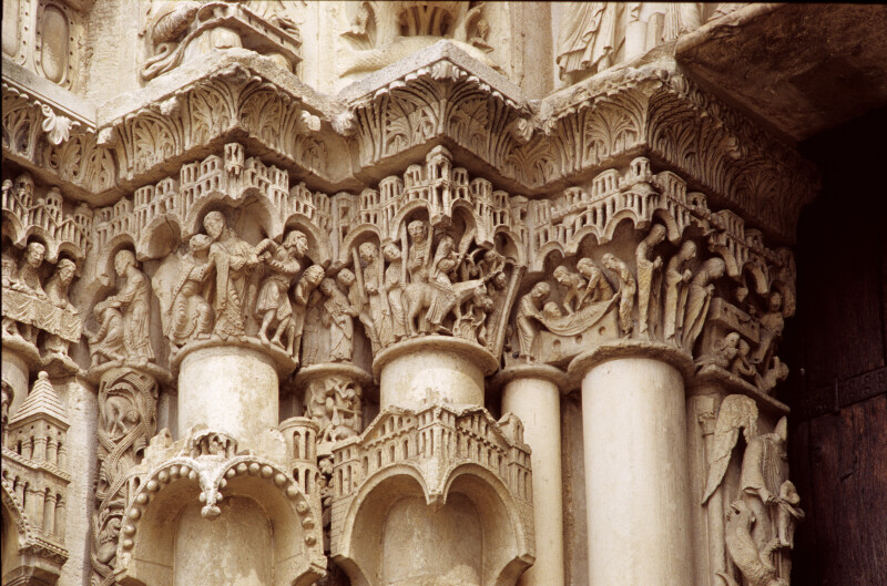 Chartres Cathedral, Incarnation portal, capital frieze, left side