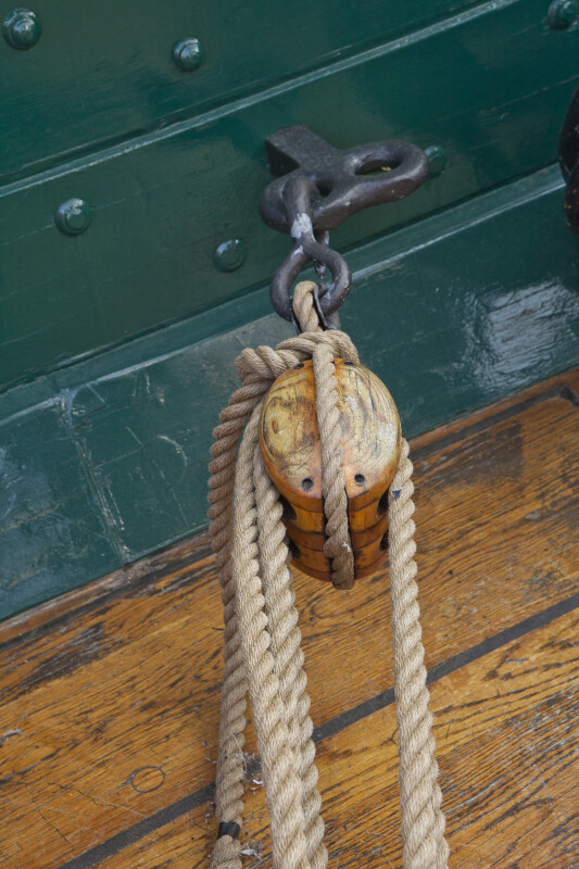 Cordage Running through a Pulley