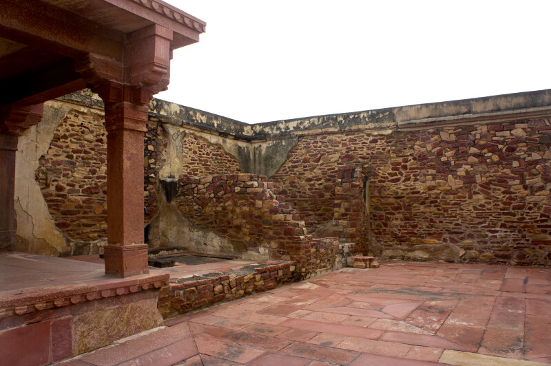 Corner of the Fatehpur Sikri complex surrounding wall