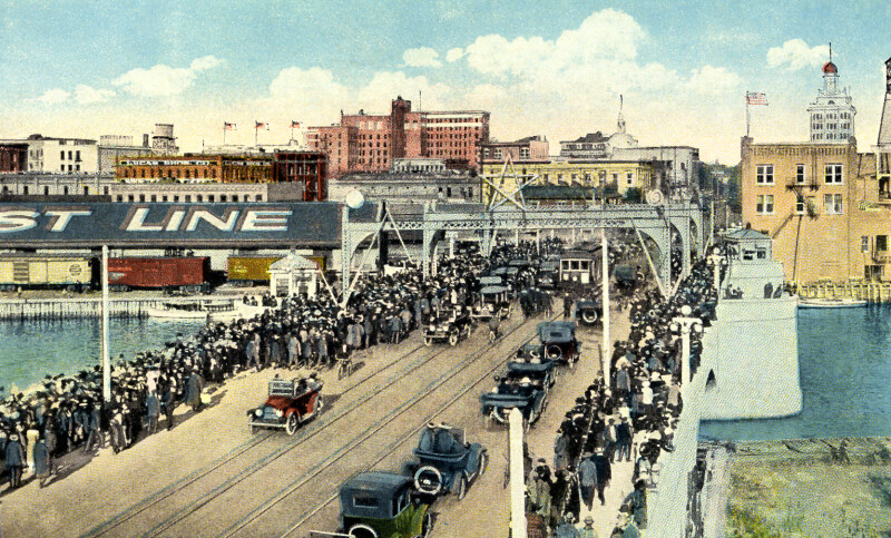 Crowds Crossing the Lafayette Street Bridge in Tourist Season