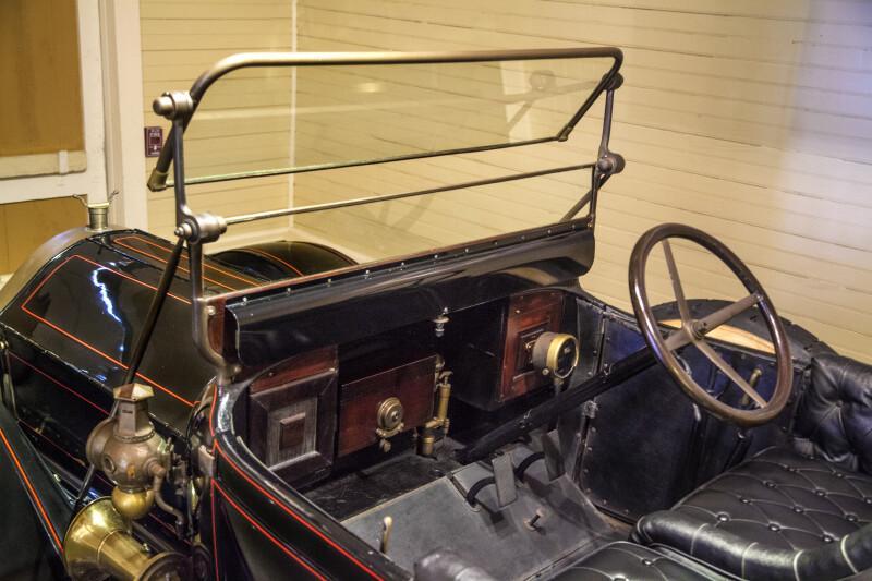 Dashboard of 1914 Pierce Arrow Auto