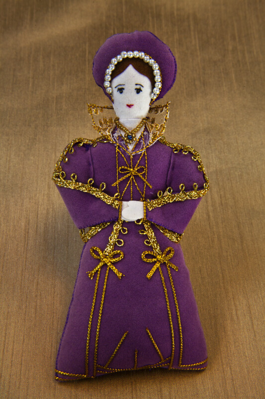 England Katherine Parr Doll Sixth Wife of Henry the VIII with Hand Painted Face (Full View)