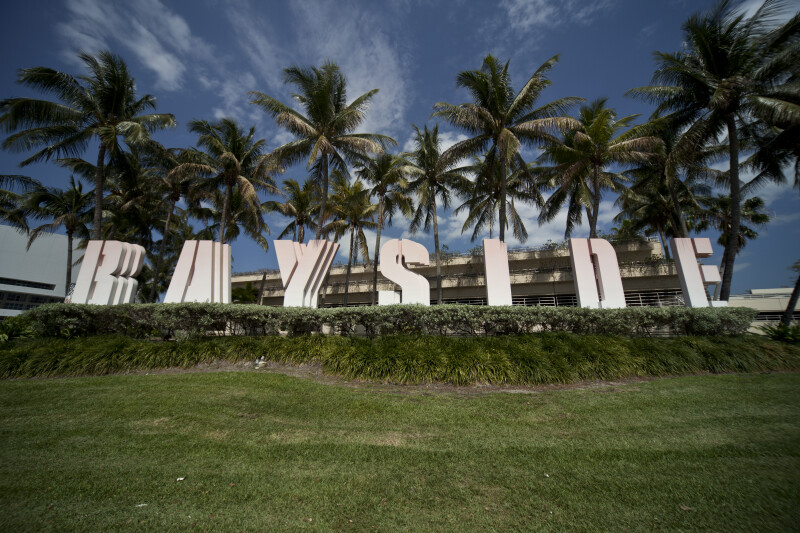 Front of Bayside Sign