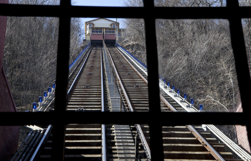 Incline Cars Passing