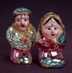 India Ceramic Man and Woman Covered with Mirrors and Covered Glass (Full View)
