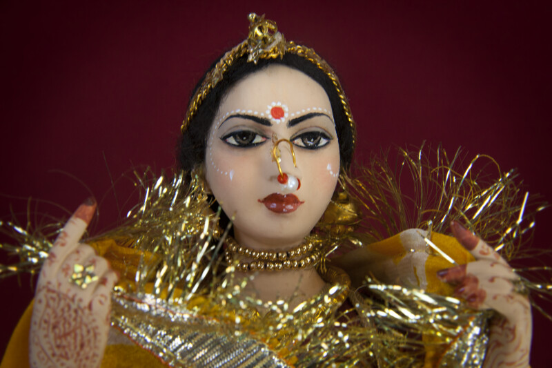 India Hand Painted Bride Doll from Rajasthani India with Gold Nose Ring and Necklace (Close Up)