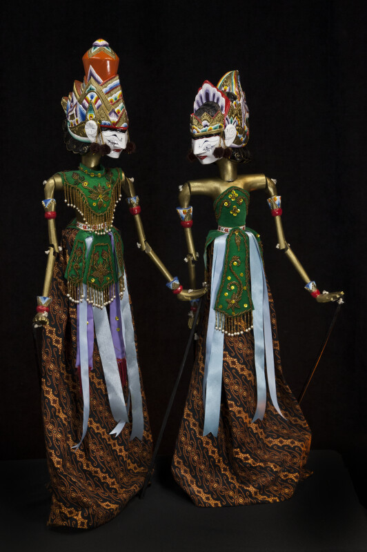 India Tall Rod Puppets of Rama and Sita with Three Dimensional Heads and Crowns (Full View)
