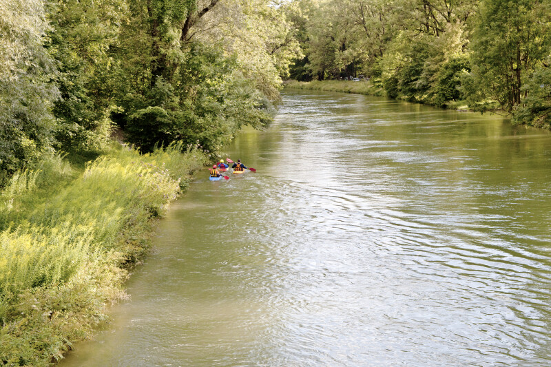 Kayakers on the Isar