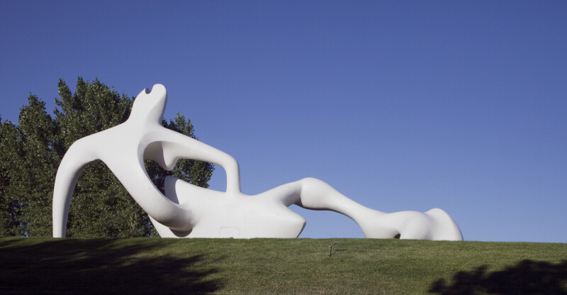 """Large Reclining Figure"""