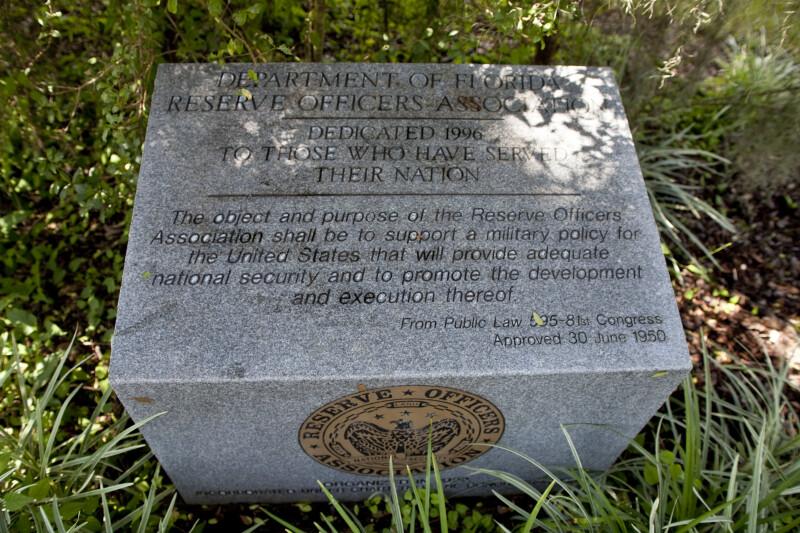 Memorial to Veterans