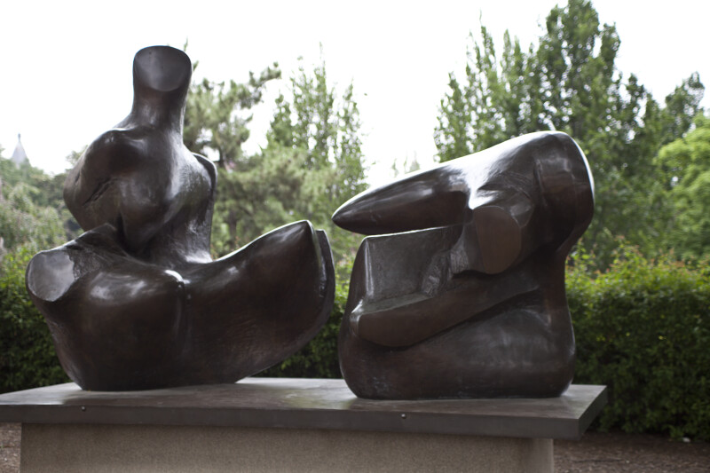 "Moore's ""Two Piece Reclining Figure: Points"""