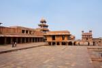 Panch Mahal, Abdar Khana