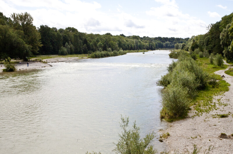 Path by Isar River