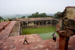 Pool in Fatehpur Sikri