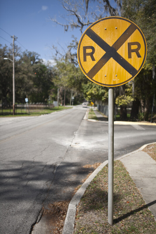 Railroad Crossing Sign | ClipPix ETC: Educational Photos for