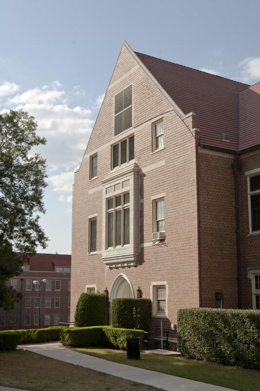 Rowena Longmire Student-Alumnae Building