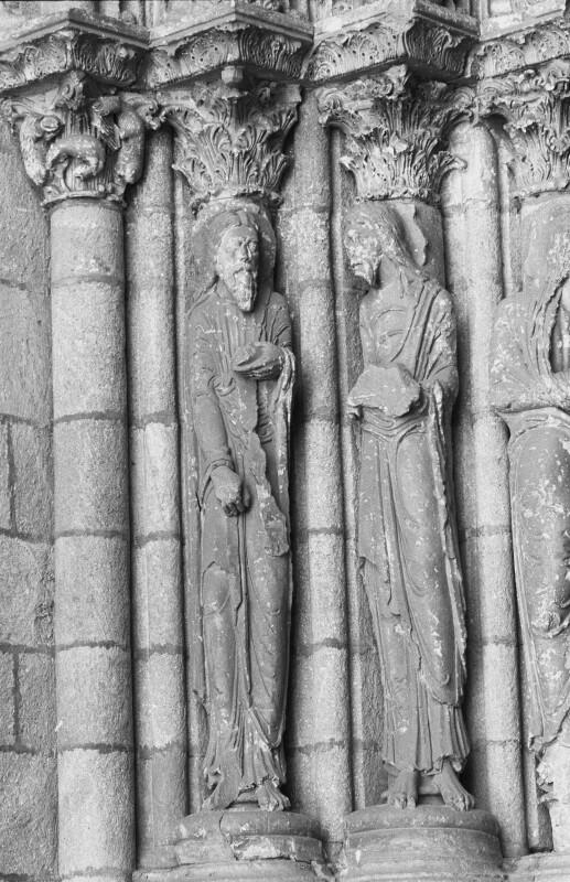 San Vicente de Ávila, west portal, left side, outer two apostles
