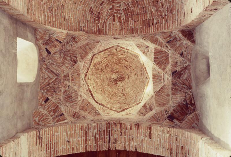 Santi Pietro e Paolo d'Agrò, Brick Dome on Squinches over Crossing