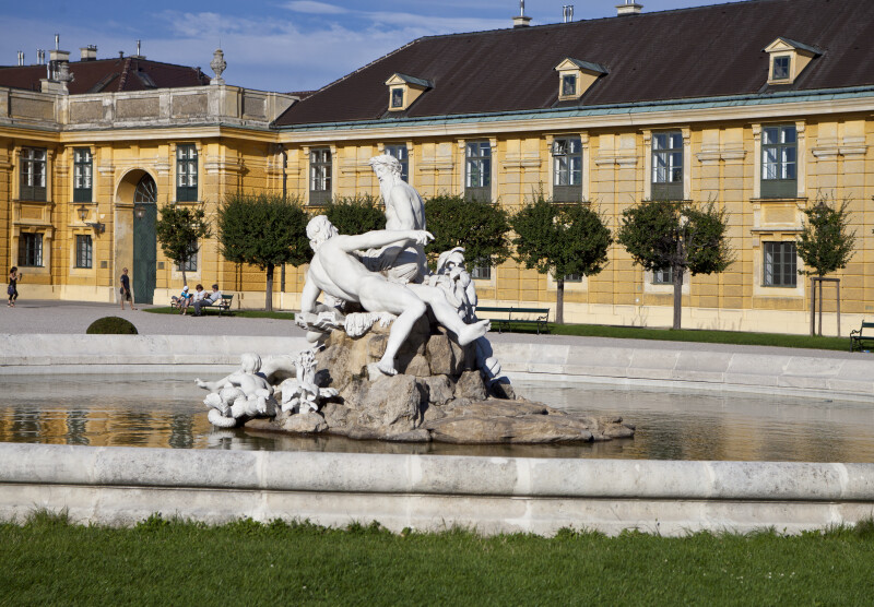 Sculptures in Fountain