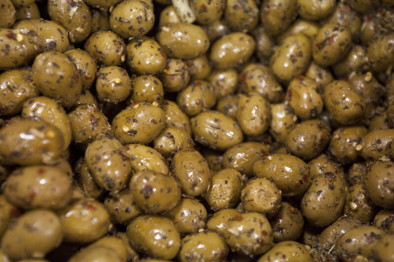 Seasoned Green Olives