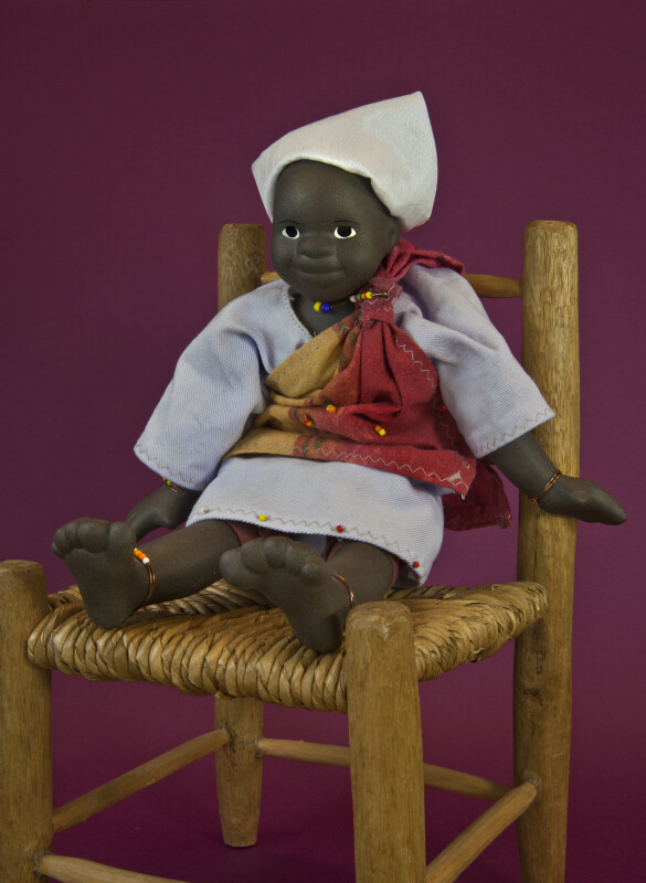 South Africa Umntwana Ethnic Art Figure (Seated Full View)