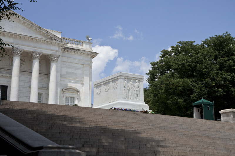 Stairs and Tomb of the Unknowns