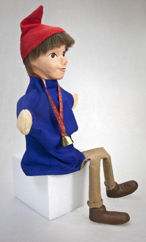 Switzerland Hand Puppet in Sitting Position (Three Quarter View)