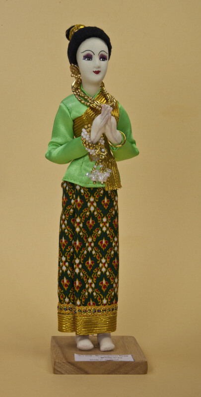 Thailand Handcrafted Thai Bhorampiman doll in traditional costume (Full View)