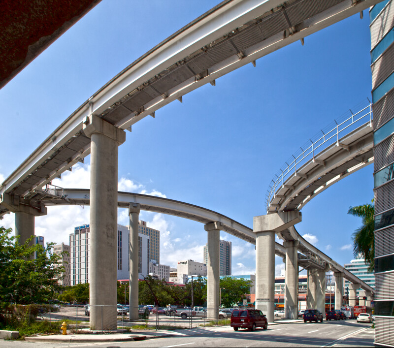 The Elevated Tracks of the Miami Metromover