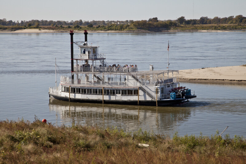 The Island Queen Entering the Mississippi River