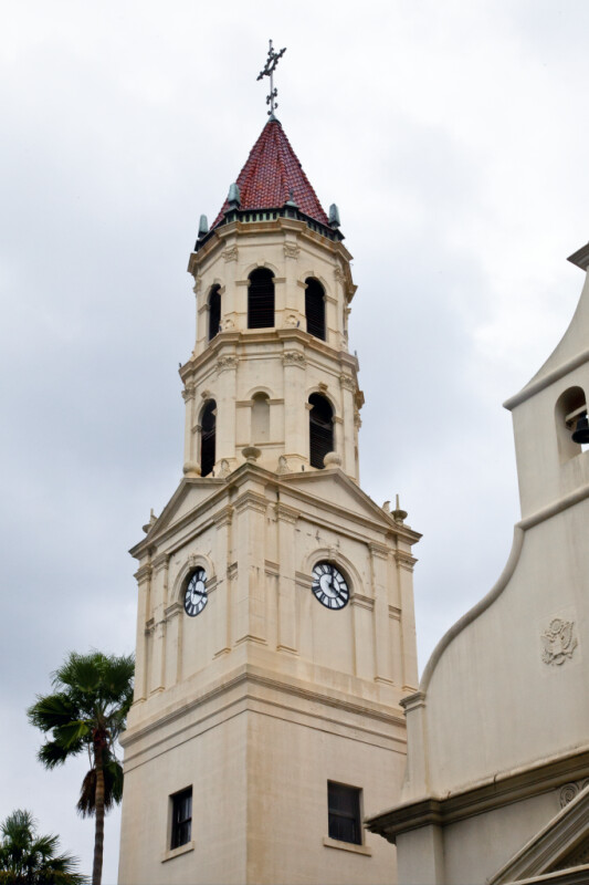 """The """"New"""" Bell Tower of the Spanish Cathedral"""