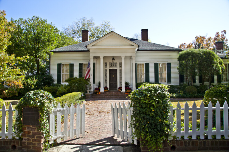 """The """"Oak Home"""" in Corinth, Mississippi"""