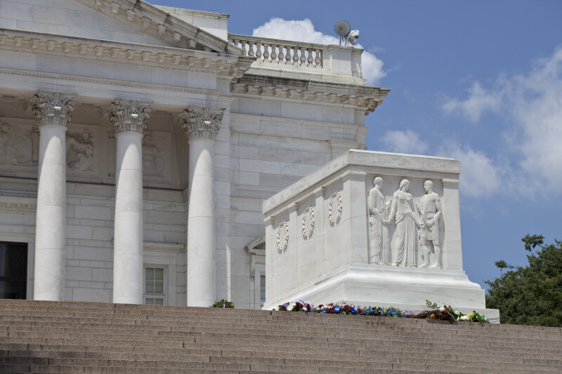 Tomb of the Unknowns and Memorial Amphitheater
