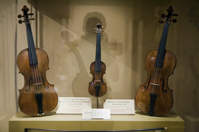 Violins and Pechette